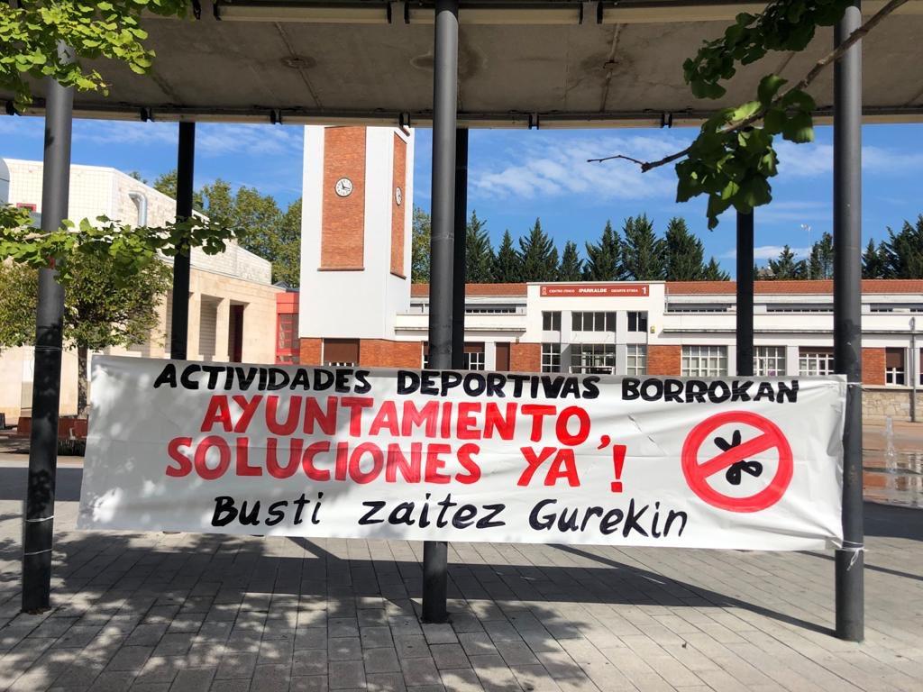 Manifestazioa egingo dute larunbatean Gasteizko gizarte etxeetako sorosle eta begiraleek