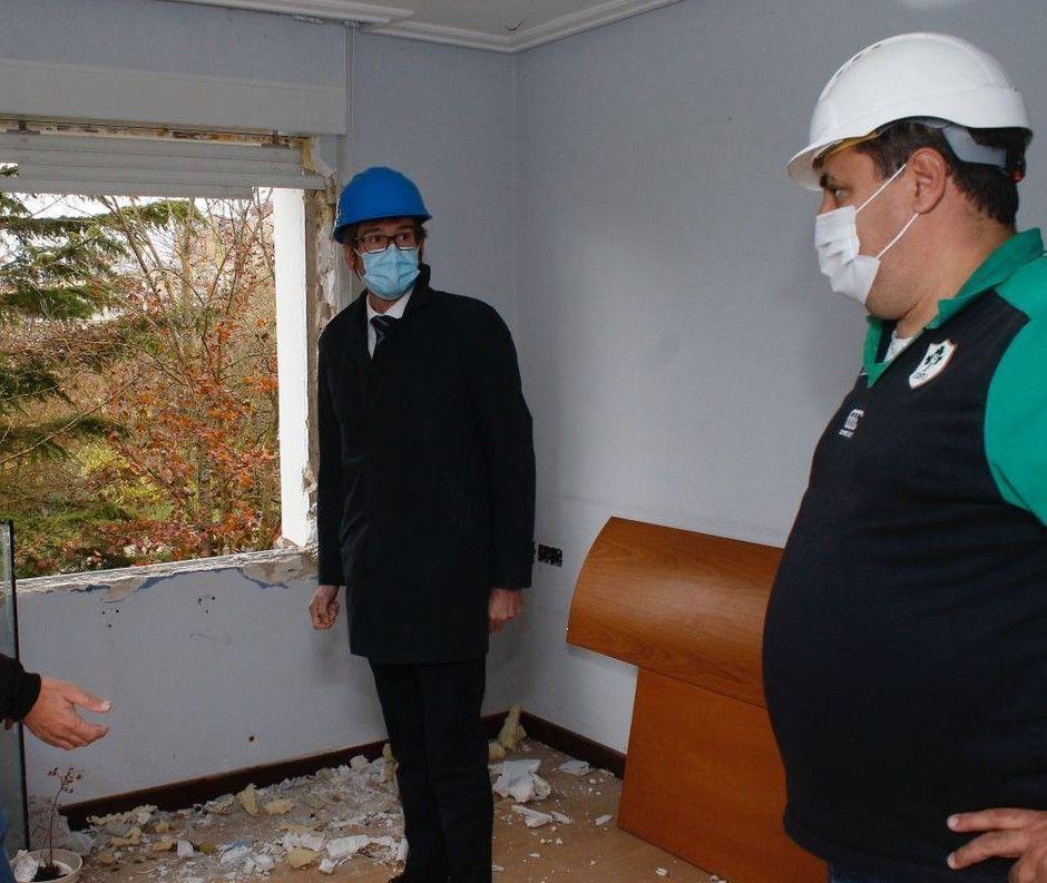 El Ayuntamiento acelera el proceso de desalojo y derribo de las vivienda de Olarizu
