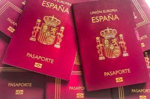 Hispanitatearen inplikazio juridikoak, nazionalitatea, erresidentzia baimenak, paperak…
