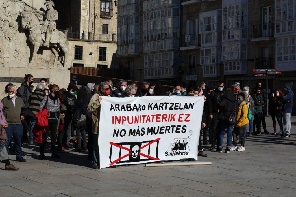 Salhaketa sale a la calle para denunciar la quinta muerte ocurrida este año en Zaballa