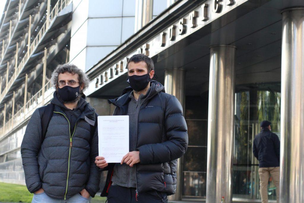 Hala Bedik kereila bat aurkeztu du TALKA espazioko desalojoan kazetari baten lana oztopatu zuen poliziaren aurka