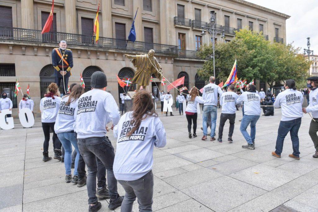 """Jon Arrieta (Sortu) : """"Euskal jendarteak botako ditu Audientzia Nazionala, Guardia Zibila eta 78ko erregimena finean"""""""