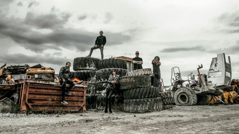 La Excavadora punk-rock konboa sortu da Arabako Lautadan