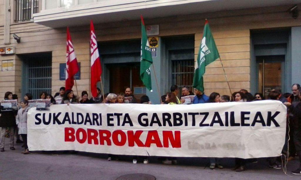 Laudioko Hezkuntza Saileko sukaldari eta garbitzaileen kolektiboan egondako lan-istripu larria salatu du LAB sindikatuak