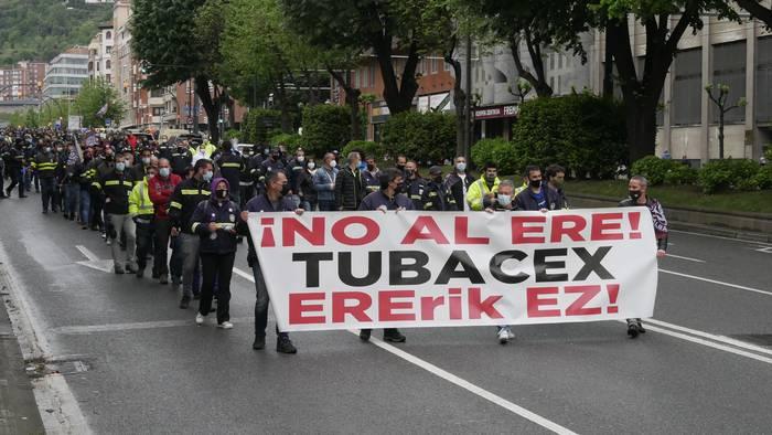 Aiaraldeko enpleguaren defentsan konpromisoak hartzea exijitu diote Tubacexeko langileek Eusko Jaurlaritzari