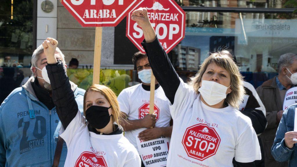 Denuncian un nuevo desahucio y piden al Gobierno Vasco que impida abusos y desahucios en viviendas VPO