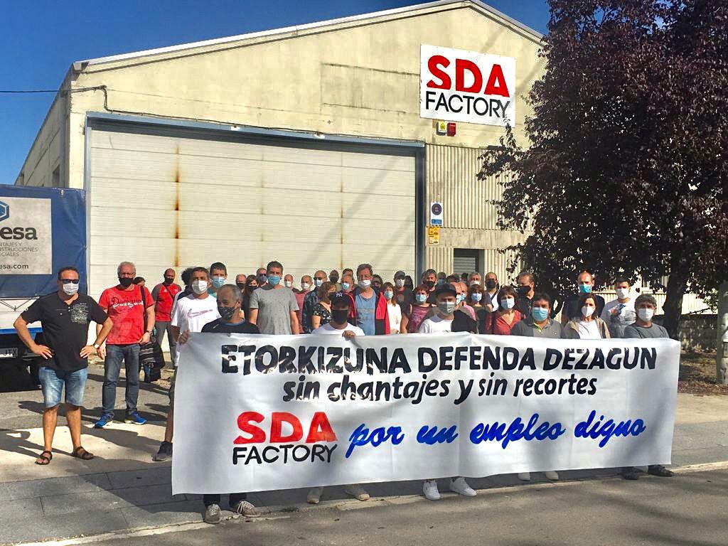 La plantilla de SDA Factory iniciará movilizaciones ante el recorte de sus derechos laborales y el chantaje de la empresa