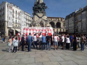 Aernnovako langileen protesta Andre Maria Zuriaren plazan, ostiralean. / ELA